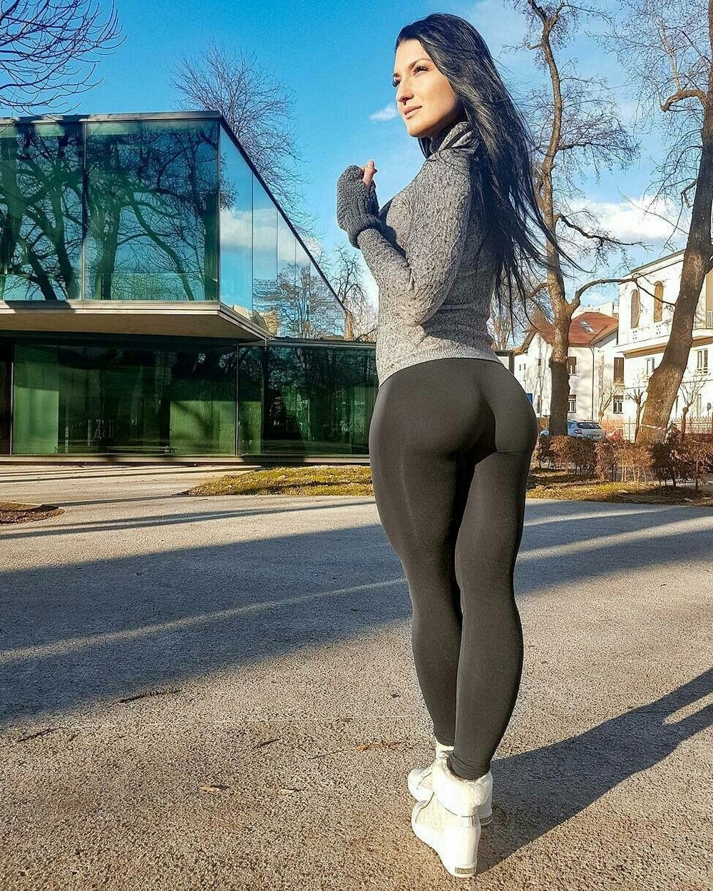 Girls in sexy tights