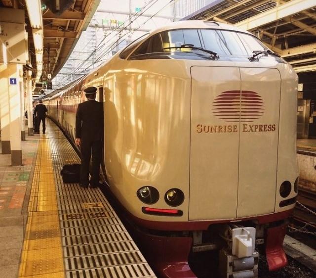 """Японский """"ночной поезд"""" Sunrise Izumo/Seto"""