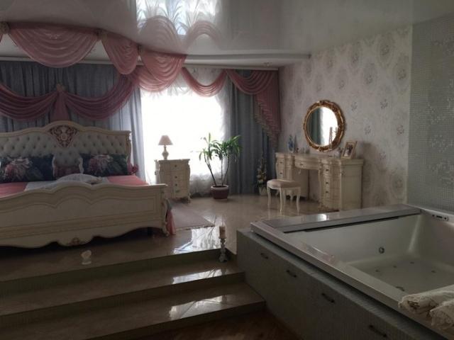 Обыск в доме чиновницы мэрии Новосибирска Натальи Малиновской