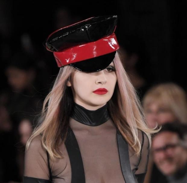 Откровенные наряды от британской бунтарки мира моды Пэм Хогг