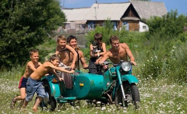 Теплые воспоминания о каникулах в деревне