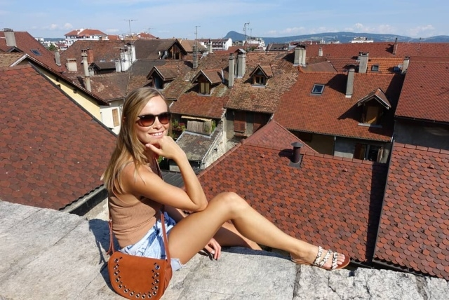 """Женщина-полицейский Надин Бернейс стала победительницей конкурса """"Мисс Германия-2019"""""""