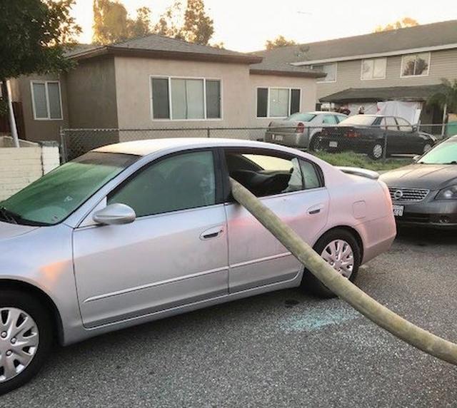 Не следует парковаться у пожарного гидранта