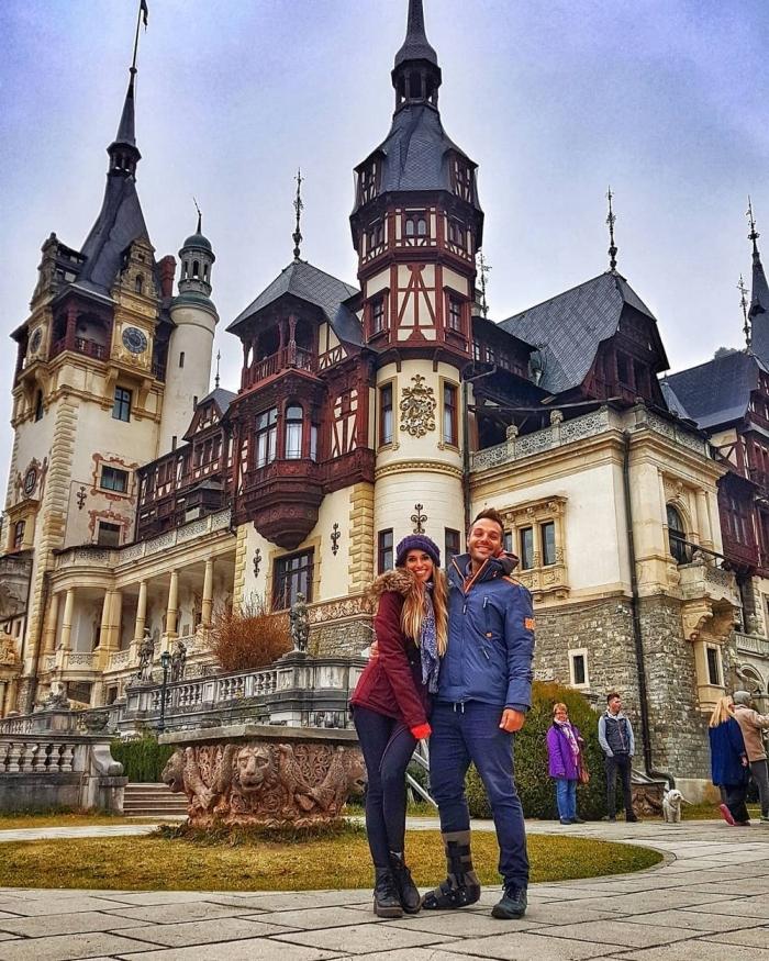 Пара из Аргентины продала все имущество и отправились путешествовать по миру