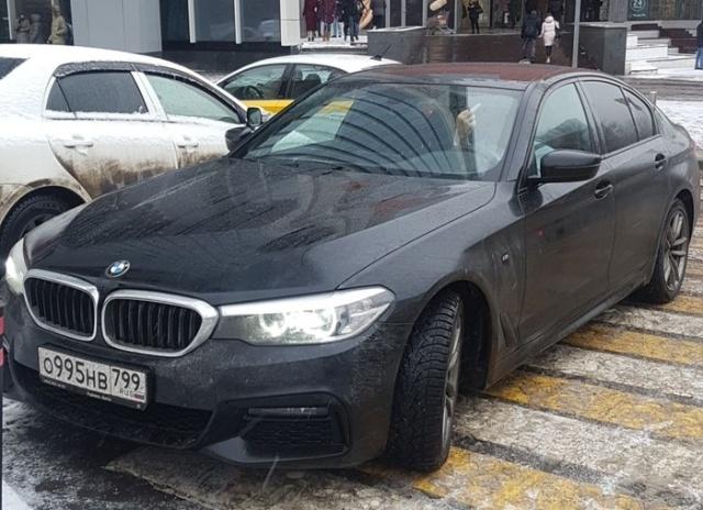 Любишь парковаться в неположенном месте - люби и штрафы платить