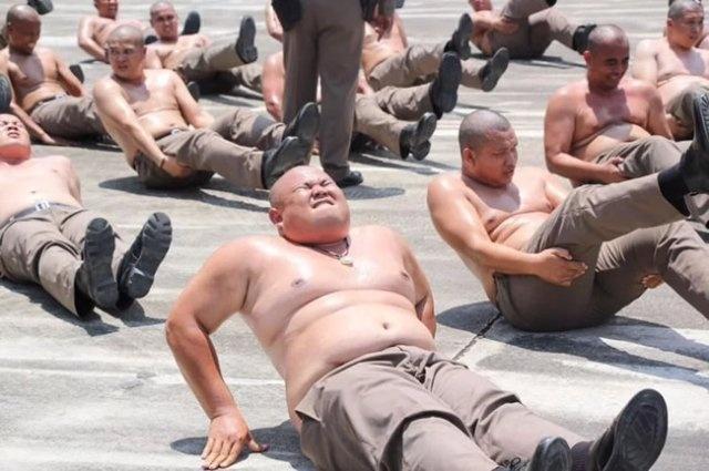 """Специальный """"лагерь"""" для полицейских с избыточным весом"""