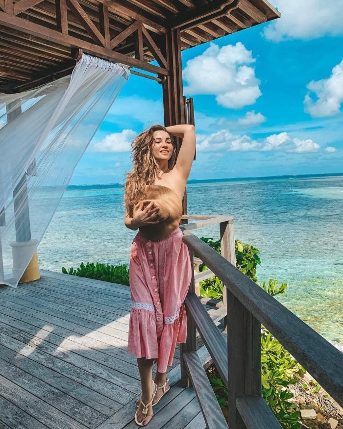 Анфиса Чехова опубликовала в сети пикантные фото с отдыха на Мальдивах