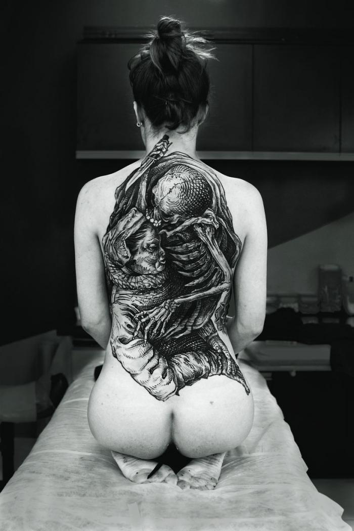 Самые впечатляющие татуировки со всего мира в книге TTT Tattoo
