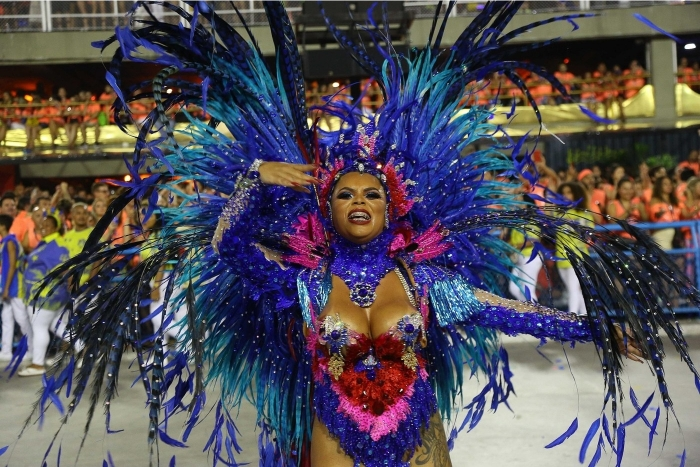 Участницы Бразильского карнавала в самых откровенных нарядах