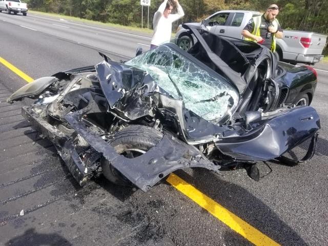 Водитель кабриолета чудом выжил и не пострадал после аварии с грузовиком