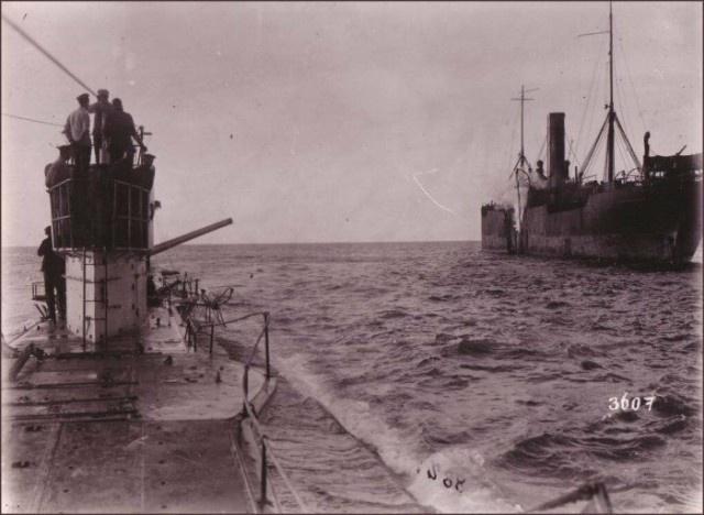 Для чего были нужны пушки на подводных лодках