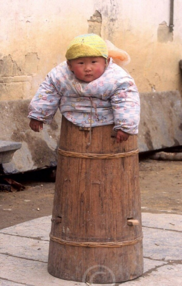 Угадайте, для чего в Китае использовались такие бочки?