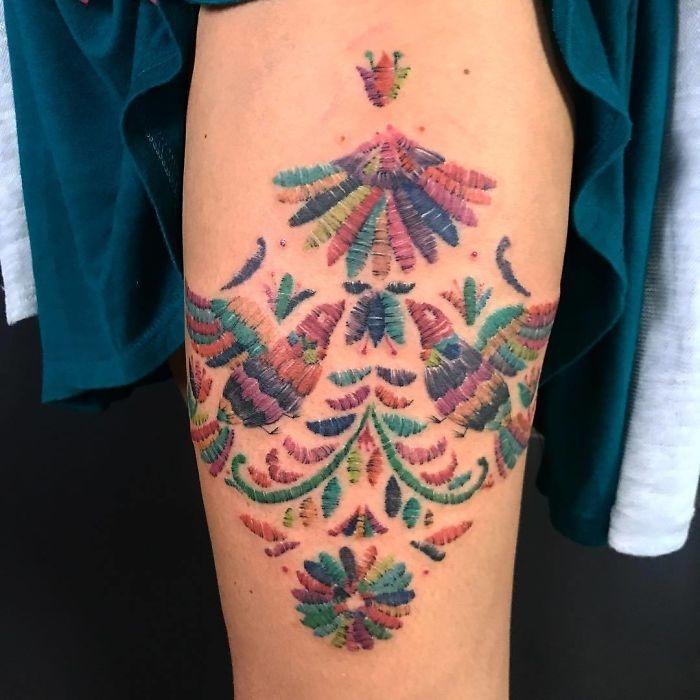 Теперь в моде вышитые татуировки
