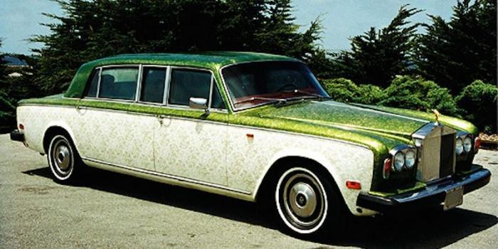 Разукрашенные роллс–ройсы великого гуру Ошо, проповедовавшего прямо из авто