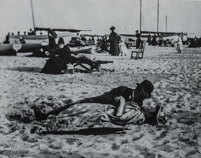 Как оттягивались на пляжах 127 лет назад