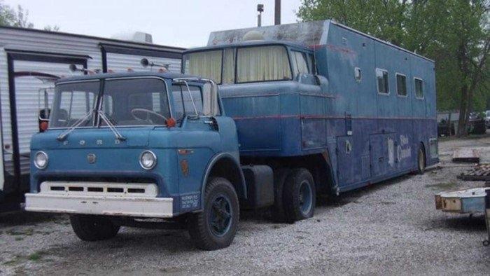 """Роскошный """"дом на колесах"""" 1970 года выпуска"""
