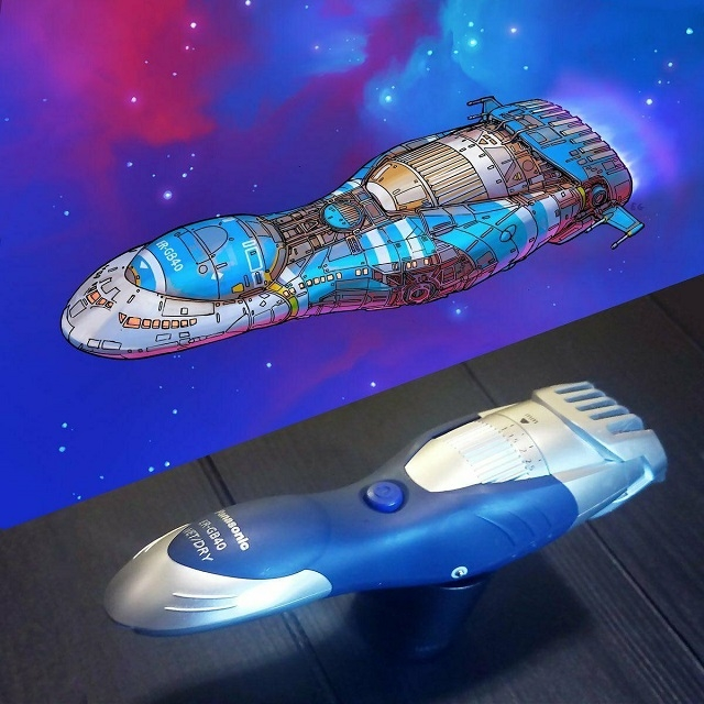 Программист из США рисует космические корабли, вдохновляясь бытовыми предметами