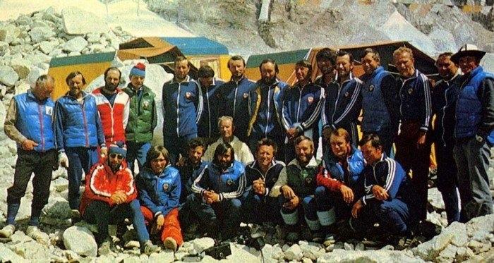 Как покорение Эвереста превратилось из спортивного подвига в очередь в Макдональдс