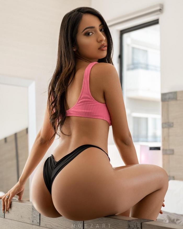 Девушки вид со спины