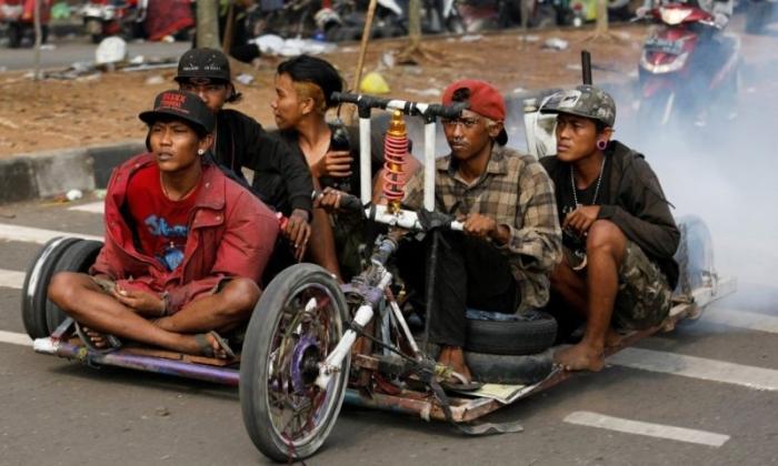 Индонезийские панки делают из мотороллеров невероятных мутантов
