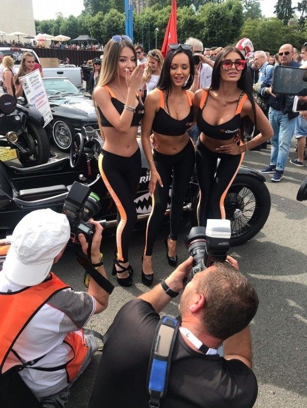 Четыре красотки из Нижнего-Новгорода покорили всех мужчин на французской гонке в Ле-Мане