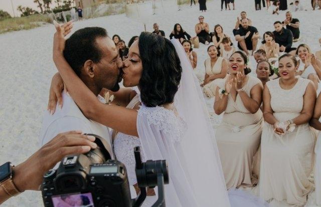 Свадьба, на которую пришло очень много подруг