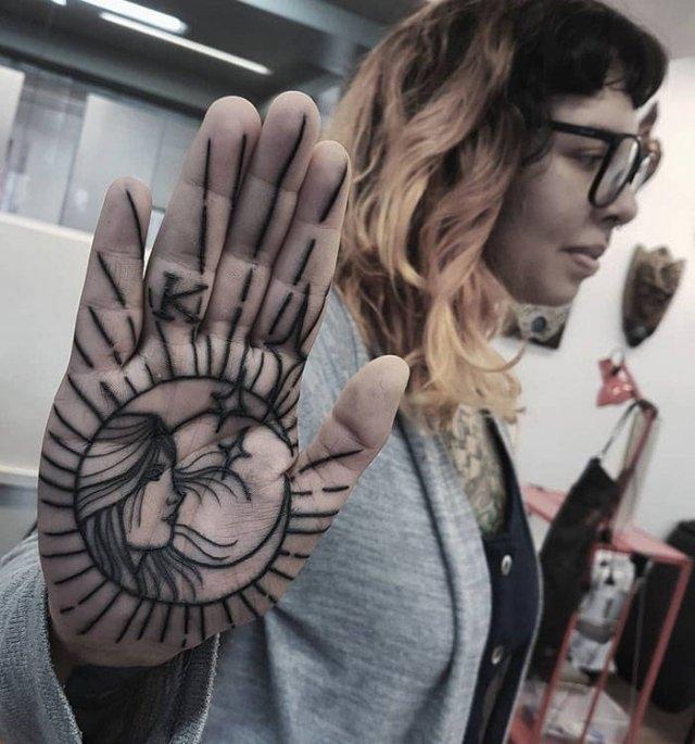 Татуировки на ладонях