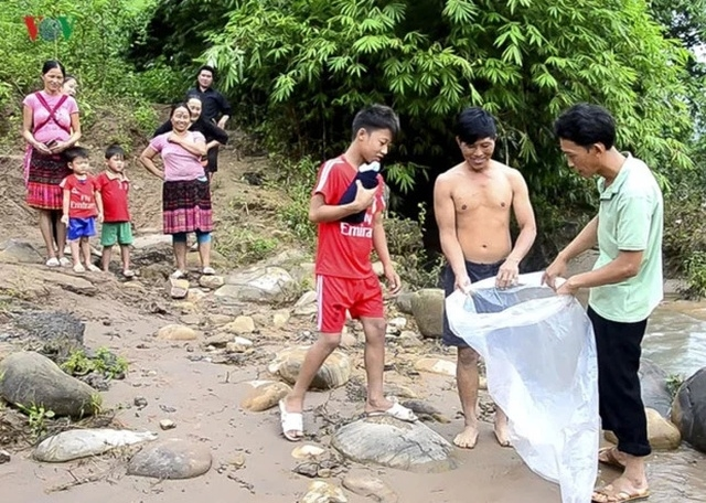 Дорога в школу ребенка из Вьетнама