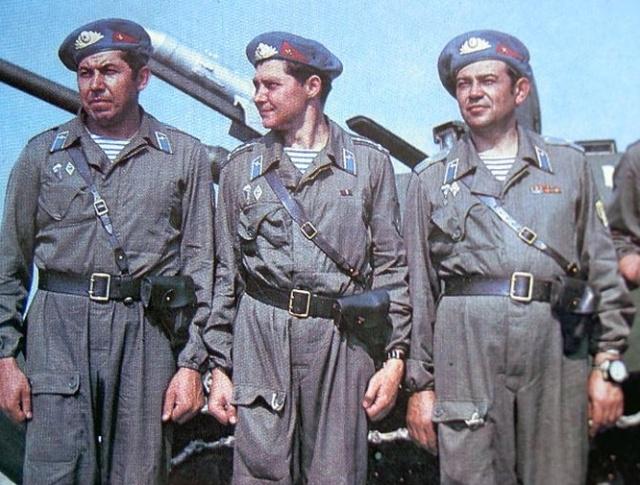 Почему десантники стали носить тельняшки