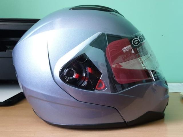 Мотоциклетный шлем до и после аэрографии