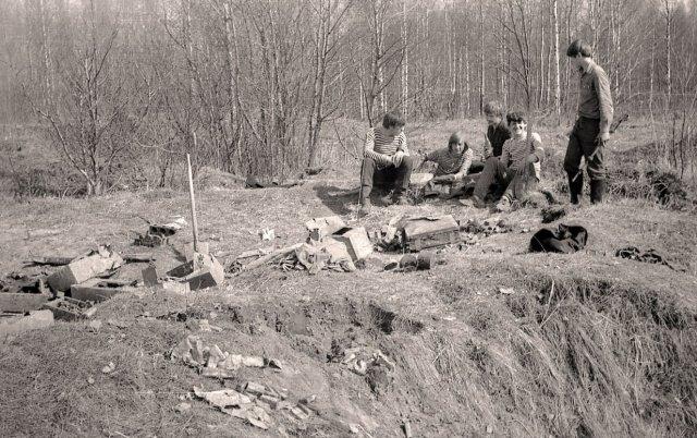 """Советские дети в поисках """"эха войны"""""""