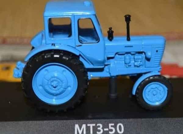 Шедевр из дешевой пластиковой модели трактора
