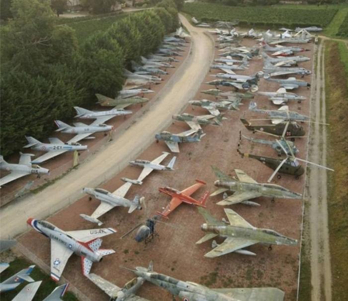 Дед собрал самый большой в мире частный флот из 110 истребителей