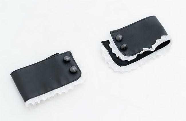 Японочки демонстрируют крошечное нижнее белье для косплея