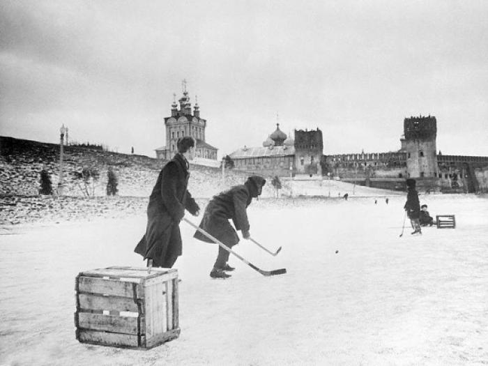 Как отдыхали мужчины в советские времена