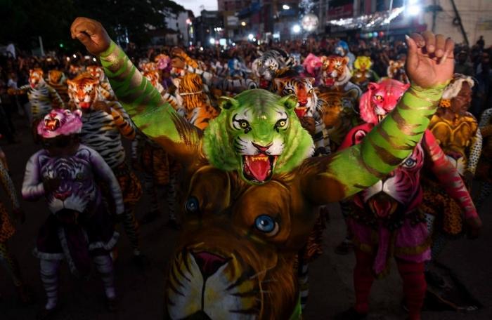 Тигриный парад Пули Кали на фестивале Онам в Индии
