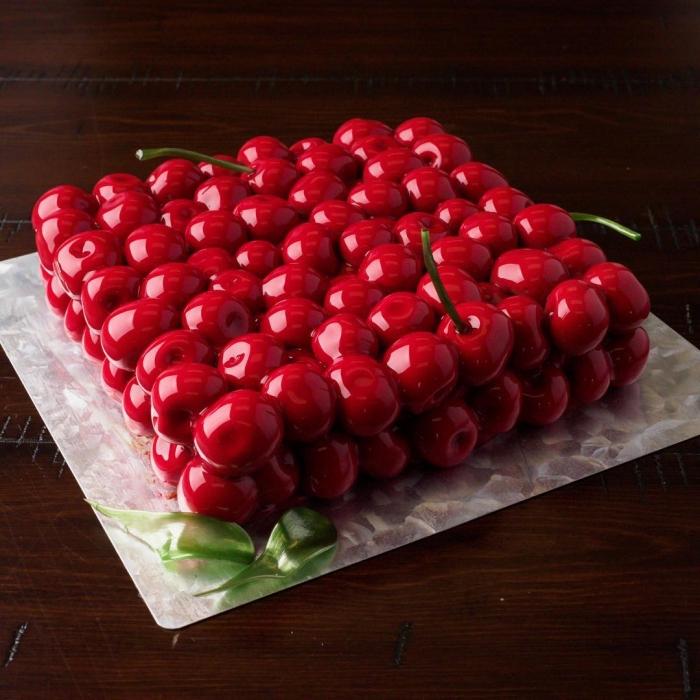Украинка печатает на 3D-принтере невероятные торты