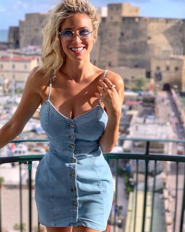 Итальянская журналистка Дилетта Леотта покорила футбольных болельщиков