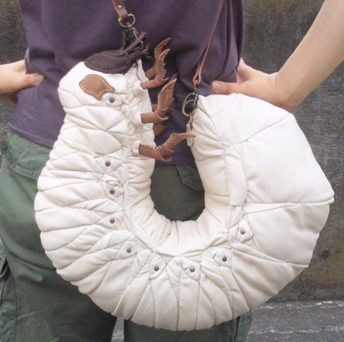 Японец делает сумки в виде огромных насекомых