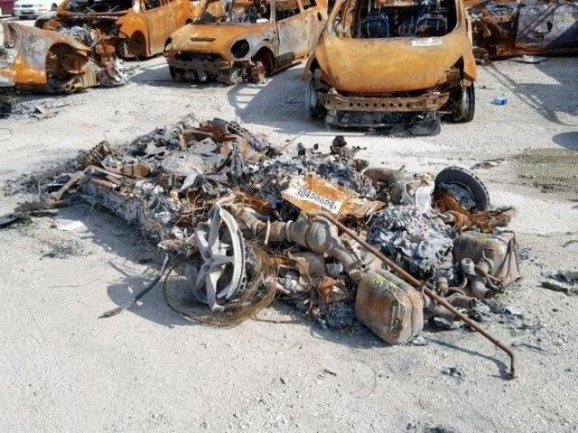 На продажу выставлен сгоревший Ferrari