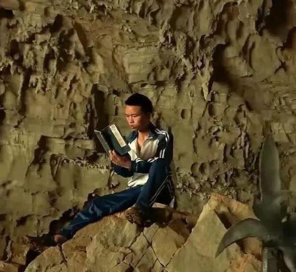 Китайцы, одержимые романами о боевых искусствах, уходят в горы, чтобы стать героями