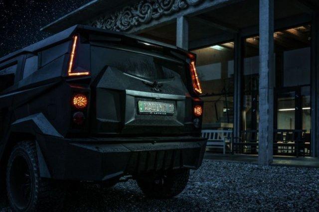 Безумный латвийский внедорожник Dartz Prombron Black Stallion с поразительным интерьером