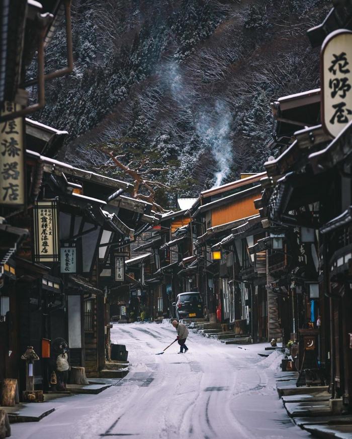 Улицы японских городов на снимках Такеши Хаякавы