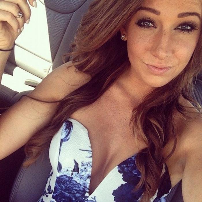 Сексуальные девушки в автомобилях