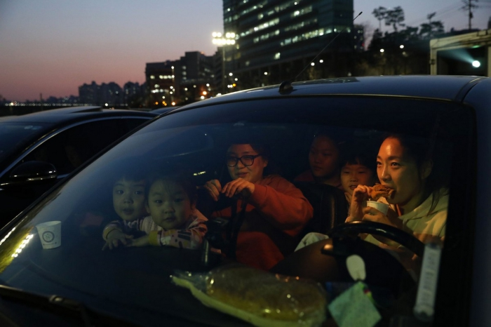 В Сеуле бум кинотеатров драйв-ин