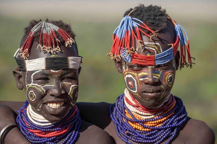 Колоритные представители племени Каро