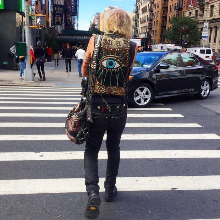 Модные персонажи на улицах Нью-Йорка