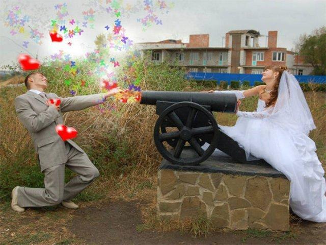 """Перебор с """"Фотошопом"""" на свадебных фотографиях из России"""