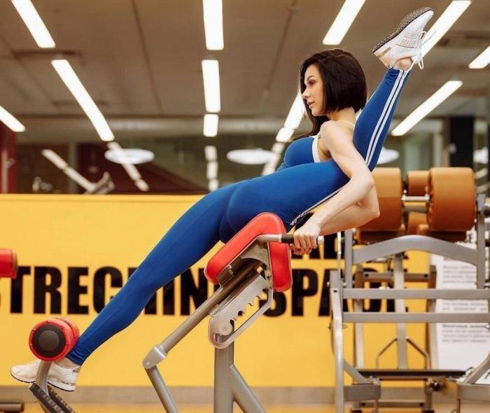Спортивные девушки с хорошей растяжкой