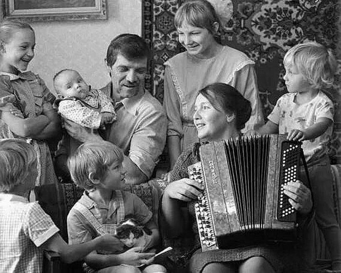Пестрая подборка снимков из советской жизни